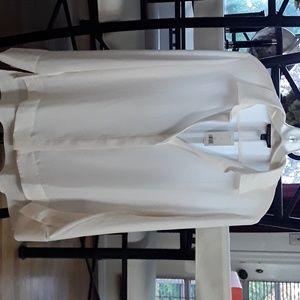 Banana Republic long sleeve cream blouse size 8